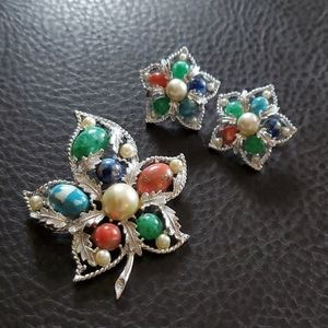 VTG Sarah Coventry brooch and clip earring set